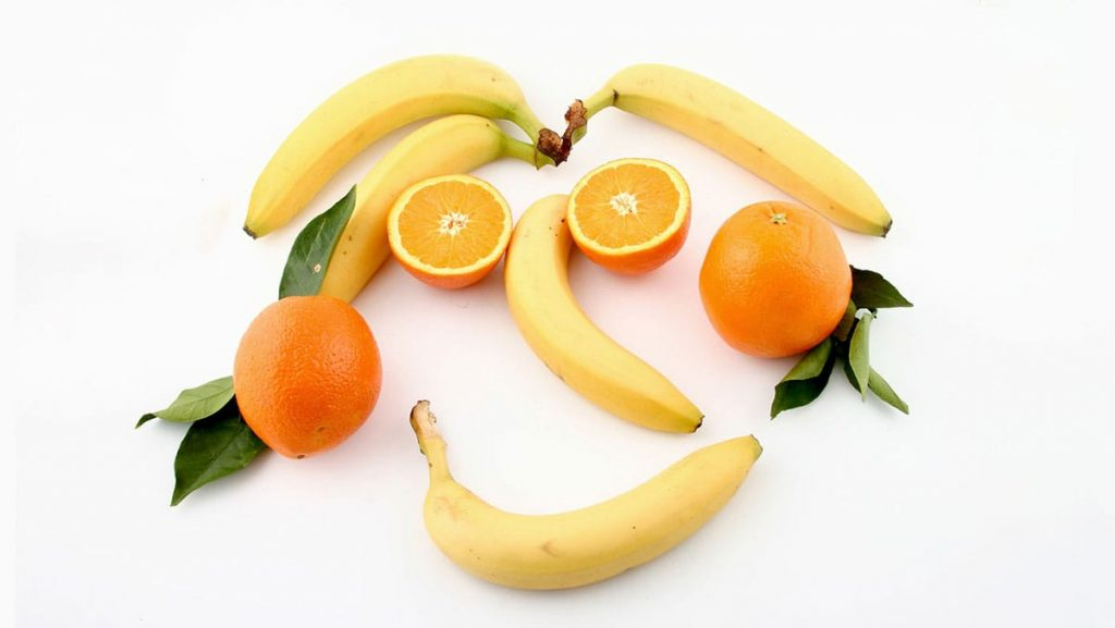 Bananas is a great food source for vitamin C.